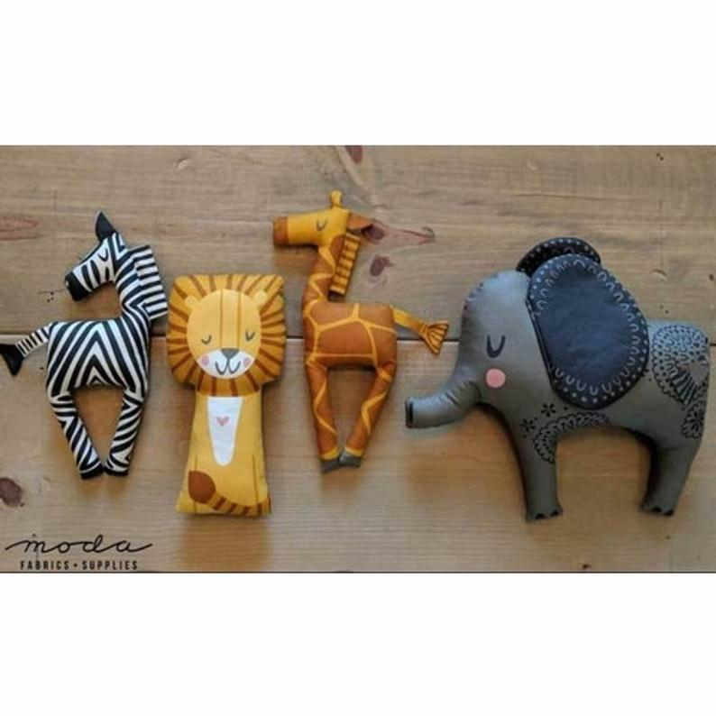 jungle animal party decorations