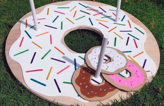 donut ring toss game