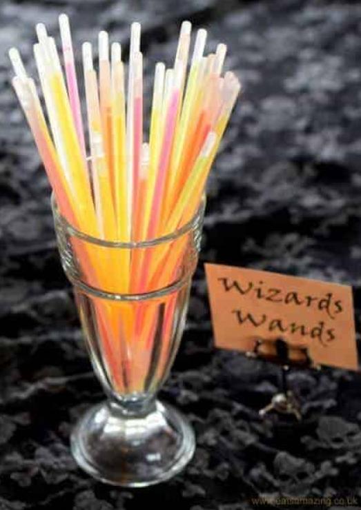 glow in the dark wands