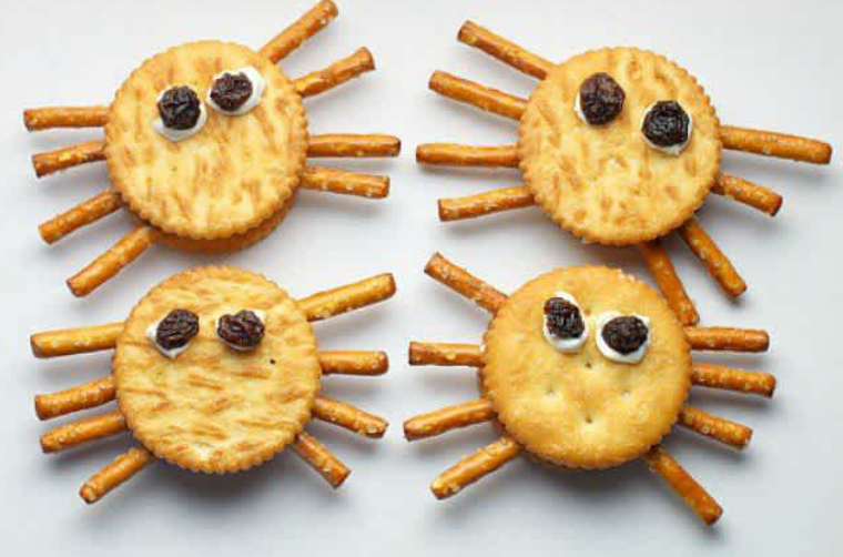 spider crackers - Halloween food ideas