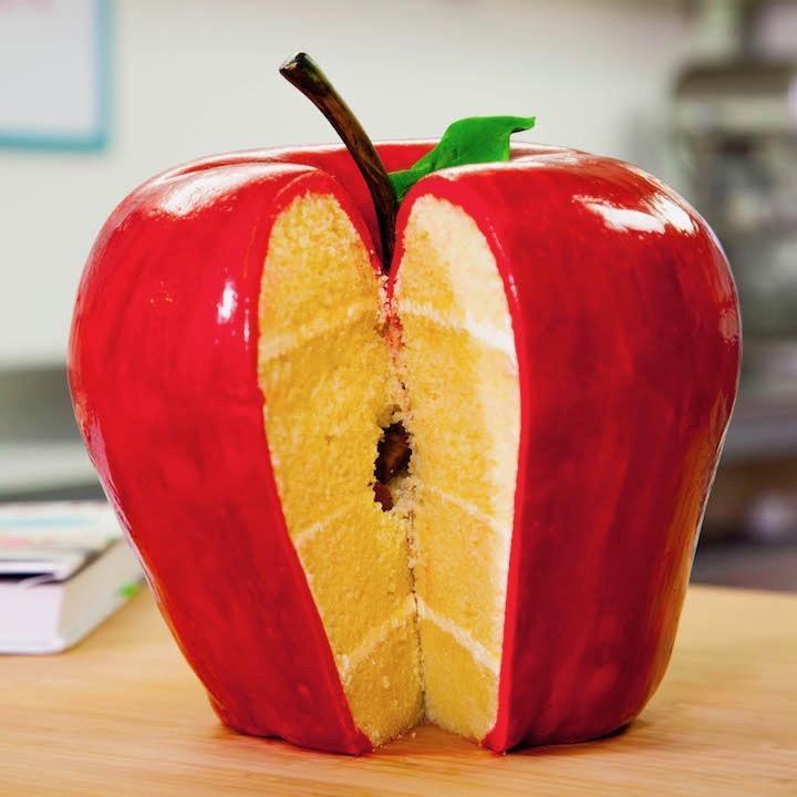giant apple cake