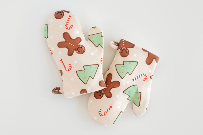 gingerbread cookie mitts for kids