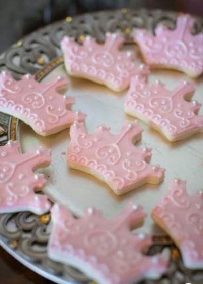 princess crown cookies with pink icing