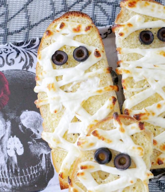 mummy garlic toast